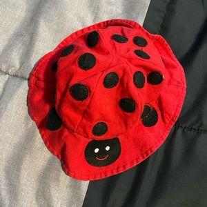 Baby girls 👧 ladybug 🐞 bucket hat.